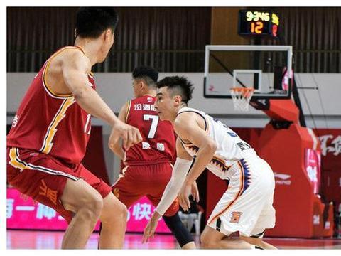 弗雷戴特26分末节爆发助上海逆转山西!周湛东19+7