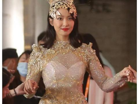 金鹰女神宣传片独缺李小璐,对于她来说,这反而是好事