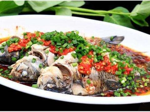 凉拌鲫鱼,制作简单肉嫩味美,厨房新手也可以完成的鱼料理