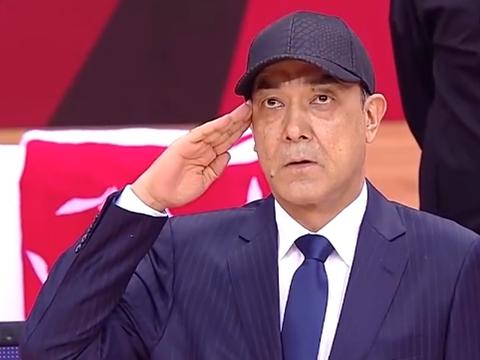 感动!新疆战北控赛前致敬八一男篮,阿的江和王向彬敬军礼