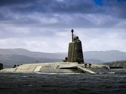 五毒俱全的英国核潜艇又出事,30名水兵被感染,原因令人直呼羞耻