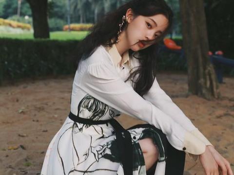 欧阳娜娜穿白色连衣裙确实不赖,冬季内搭照搬她的造型就行啦