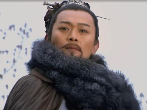 水浒中有位高手,十招之内能生擒武松鲁智深,林冲见他转身就走