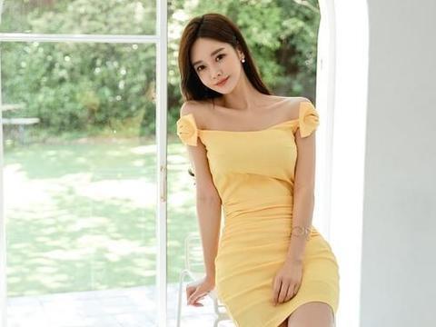 同是橘黄色束腰包臀裙穿搭,孙允珠和金惠美哪个穿起来身材更好?