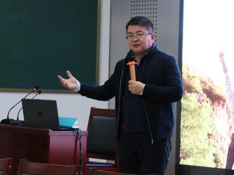 追求卓越 担当责任——忻州一中北校区举办青年教师沙龙活动