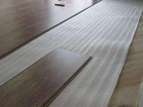 头一次见有人这样铺木地板,不得不感叹聪明,看完想立马回家重装