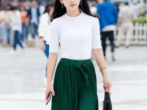 白皙的美女,美的清新优雅,美的气质迷人
