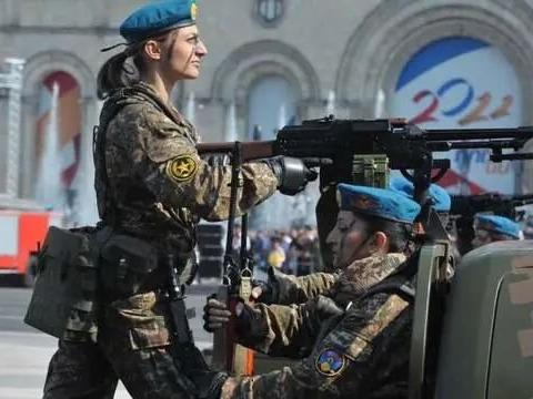 男人打光了女人上!大批亚美尼亚女兵参战,打到最后一人也不降