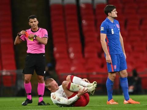 欧国联大冷门!世界第4轰然倒下,0-1负丹麦,曼联队长被罚下