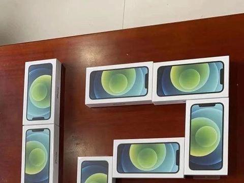 iPhone12系列电池确认!苹果阉割刀法精准,库克真绝了