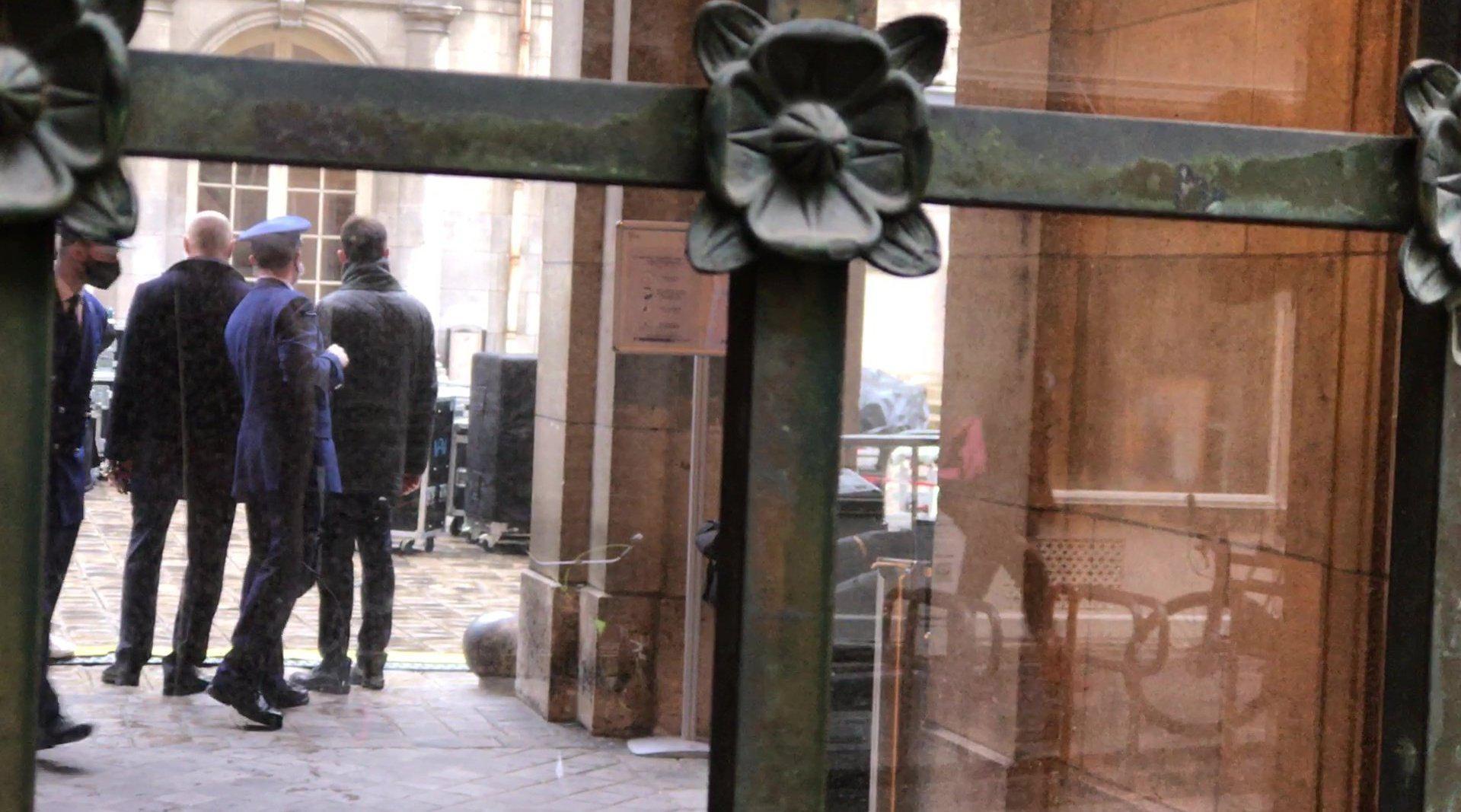 法国遭斩首教师国葬仪式定在索邦大学……