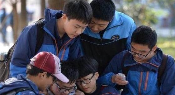 教育部:中高考考试内容变化通知,家长们担忧,校外培训很高兴