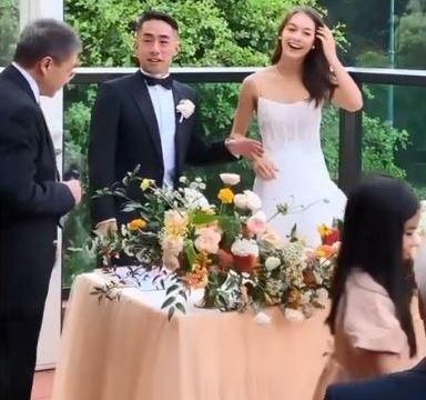 恭喜!陈冠希合伙人潘世亨与混血女模注册结婚,吴千语收到花球