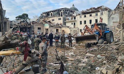 2枚飞毛腿导弹越境而入,亚美尼亚誓言报复阿塞拜疆打击居民区