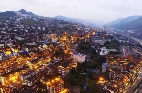我国3个世界级的小镇:比一些城市更出名,吸引大量外国游客