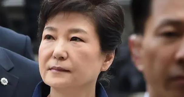 曙光灭了?朴槿惠在狱中发声,文在寅却一声不吭?韩政坛风云再起