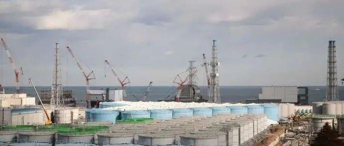 """比某国自来水还安全?那就请""""日吹""""喝干日本核废水试试!"""