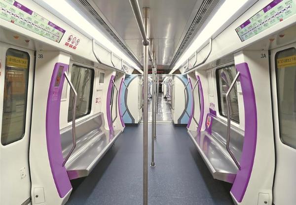 无锡地铁4号线列车来了 车厢加装LCD动态地图
