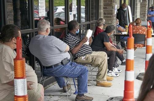 研究:50年来,美国年长雇员失业率首次超过中年雇员