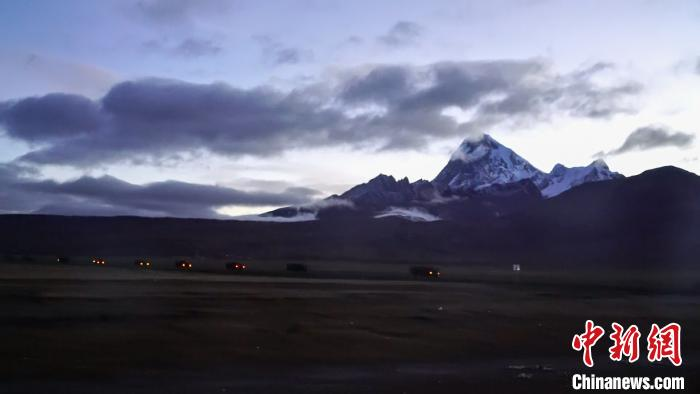 西藏军区海拔4700米开展拔点战斗演练 多种新装备亮相