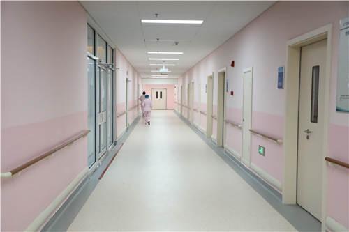 温暖舒适,设备先进,服务贴心 青岛滨海学院附属医院产房正式启用