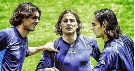 意媒质问法国足球梦之队阵容!没卡卡内斯塔?中锋无巴蒂实在丑闻