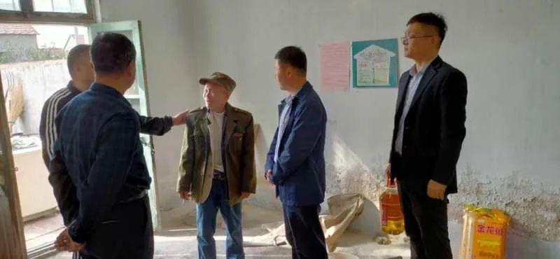 垦利区委党史研究中心到帮扶村永安镇前二十五村开展访贫问苦活动