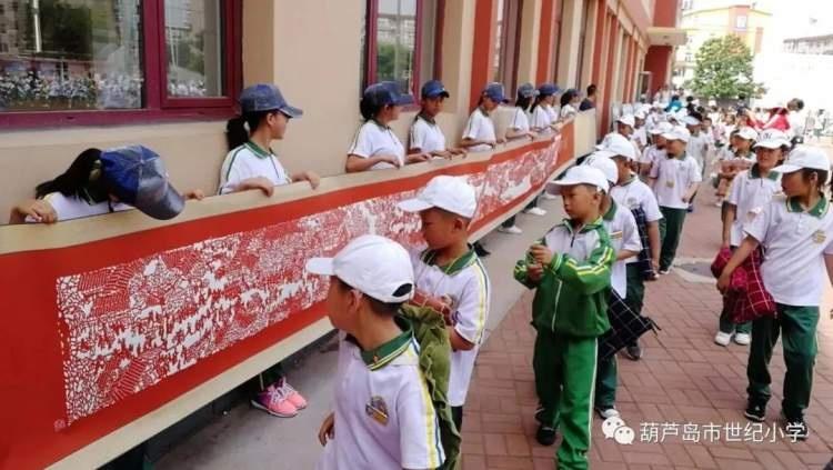 长8.2米、宽0.4米,首个手撕画版《清明上河图》入库世界技能博物馆
