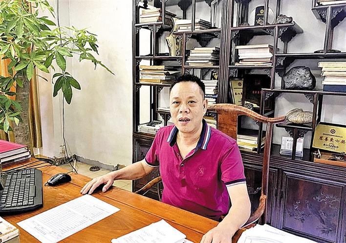 """楼标军:荣膺""""百花奖""""的广作红木传承人"""
