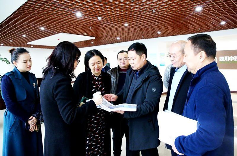 纳溪区委书记徐利督导重点项目建设和河长制工作