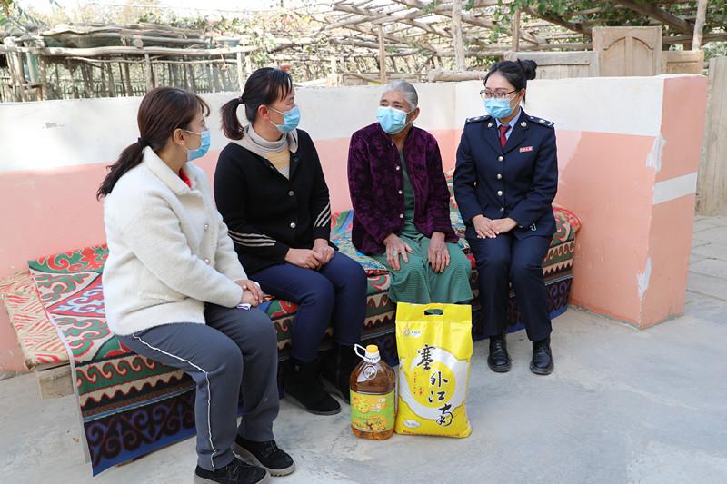 新疆洛浦系列扶贫日活动暖心鼓劲