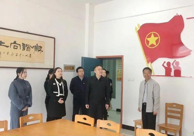 团省委党组成员、副书记李波赴亳州调研基层团建工作