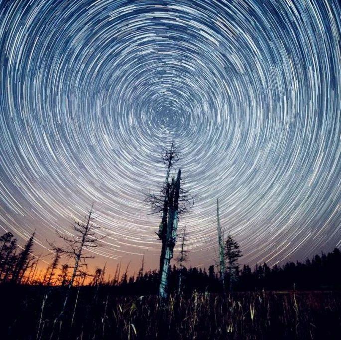【晨报聚焦】一起来看流星雨 !猎户座流星雨今日迎来极大