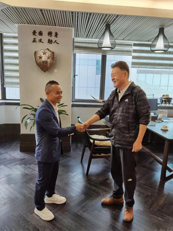 WBC世界拳王熊朝忠到访上海精武体育总会