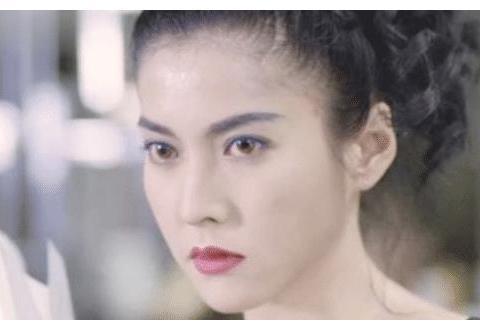 """她是最美""""紫衫龙王"""",还是吴镇宇8年初恋,51岁容颜不输周慧敏"""