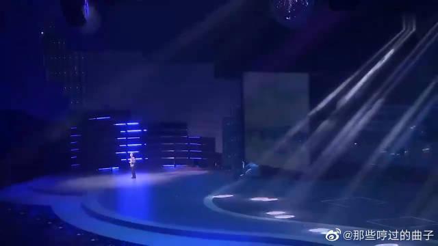 吴彤二十年后首次献唱《好春光》……