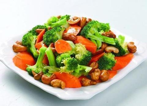 美味家常菜:咸蛋西兰花梗,脆瓜炒海蜇,萝卜干炒杭椒