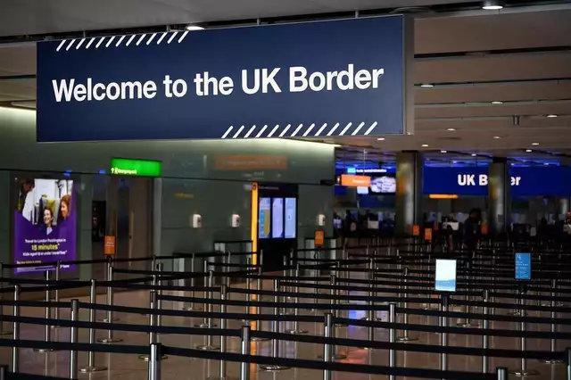 入境隔离威胁英国人圣诞餐桌……