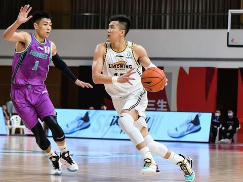 cba第2轮本土最佳阵容,郭艾伦16助攻连续入选,王哲林抢下24篮板
