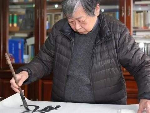 周慧珺临米芾书法十年,她的行书是否已经超越米芾?