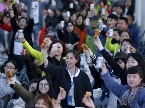 韩国吐槽声不断,为何中国游客依旧热情前往?当地华人说出实情