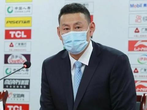 江苏惨败19分后,李楠却称赞全队精神面貌,球迷吐槽:阿Q精神
