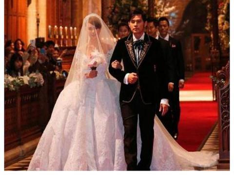 老戏骨王奎荣罕露面,二婚娶小37岁美娇妻,年近70又当爹