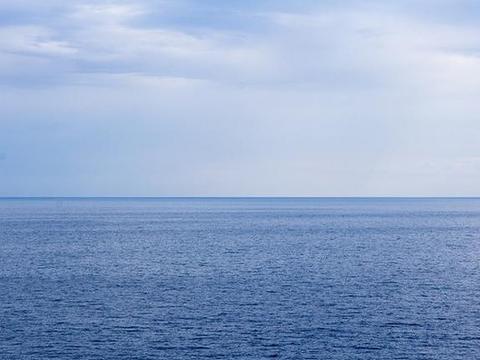 世界上面积最大的湖泊,有近40万平方千米,却时常被人误会成海!