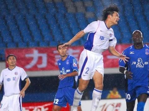 前申花球员殴打上港球迷,上海双雄哪来这么大仇恨?3大原因解析
