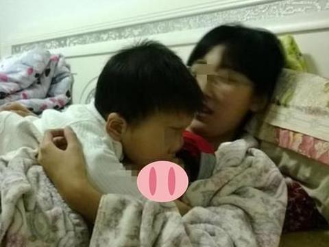 """12岁儿子要母乳""""一日三次"""",屡次断奶失败求助,医生:无能为力"""