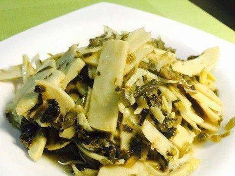雪菜炒春笋,鲜嫩清爽,营养美味,雪菜鲜香微咸超下饭