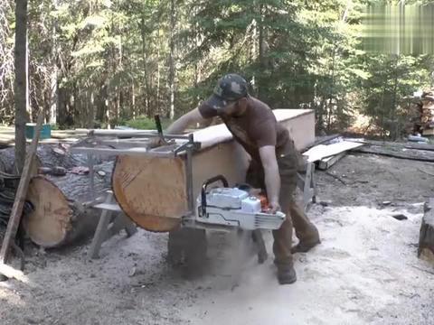 实拍德国老外手工锯木材,这效率也太慢了,会有人买这个设备吗?