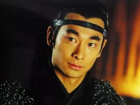 头戴抹额的古装男神,杨洋又帅又萌,林更新搞笑,而他无人超越