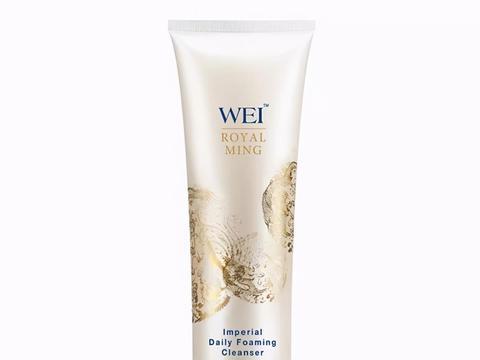 这几款洗面奶能轻松吸附脸部的污垢、过量皮脂和残妆残留,不紧绷